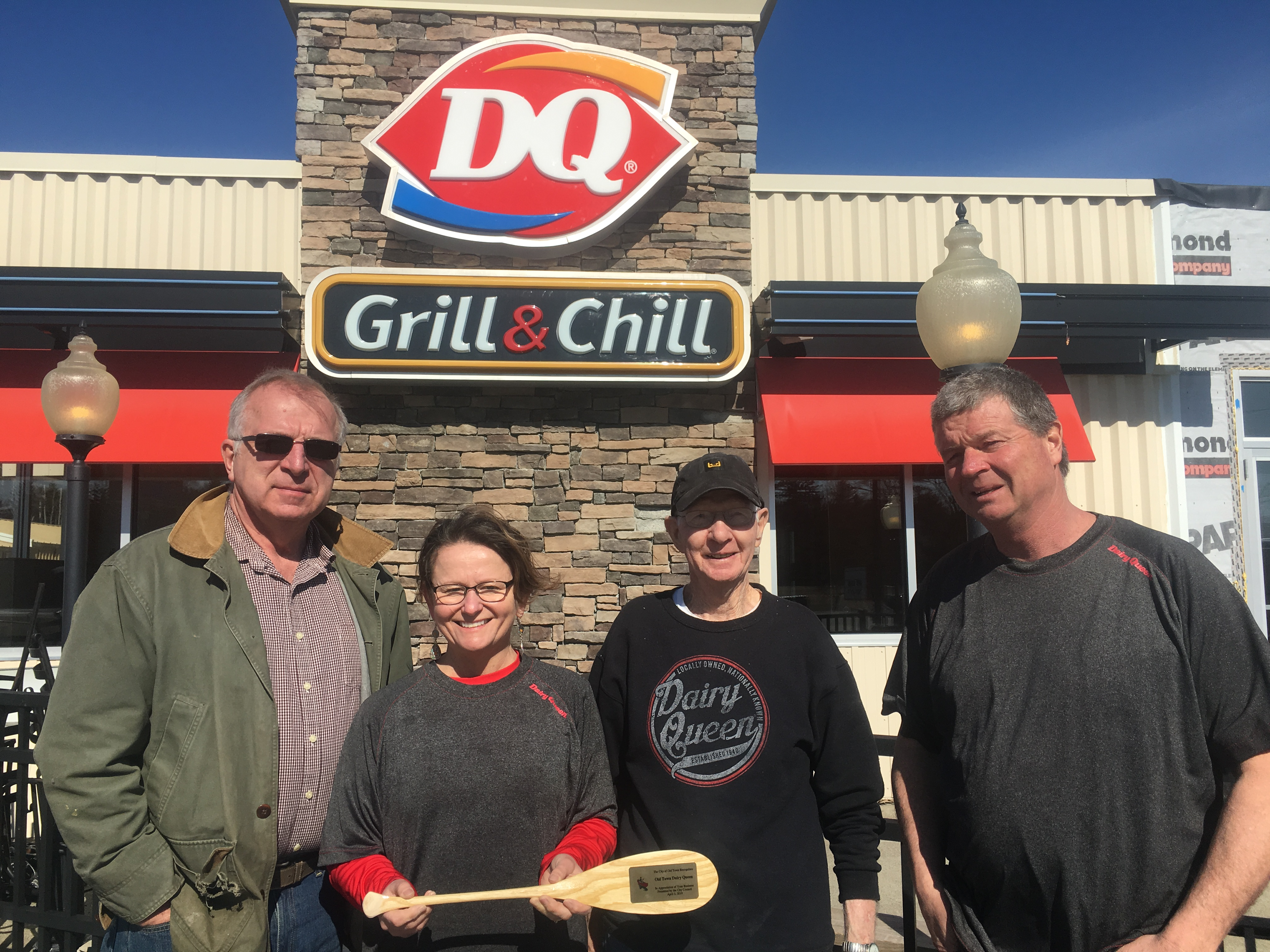 Dairy Queen Grill /& Chill MEN/'S T-SHIRT
